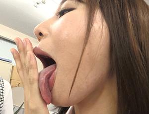 臭いフェチにおすすめのスカトロAV 肛門・唾液・舌苔の臭い責めプレイ