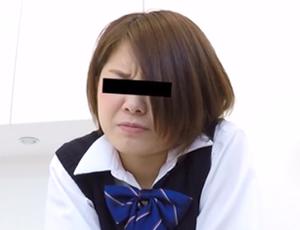 女子校生がバイトの面接中に下痢便漏らしてパンツにべったり茶色汁