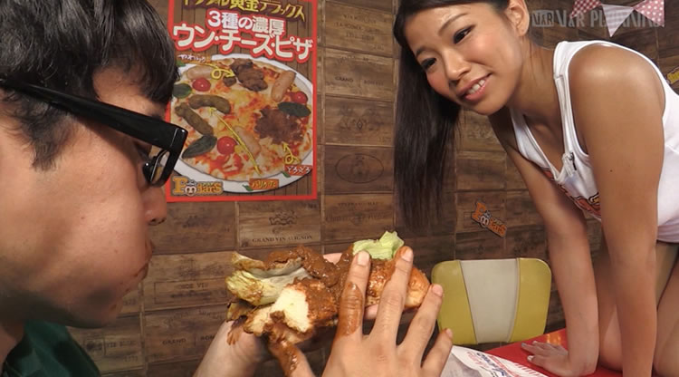 脱糞レストランでうんこを食べる2